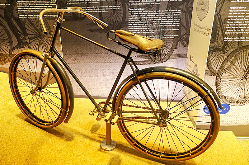 Vélo à pneus