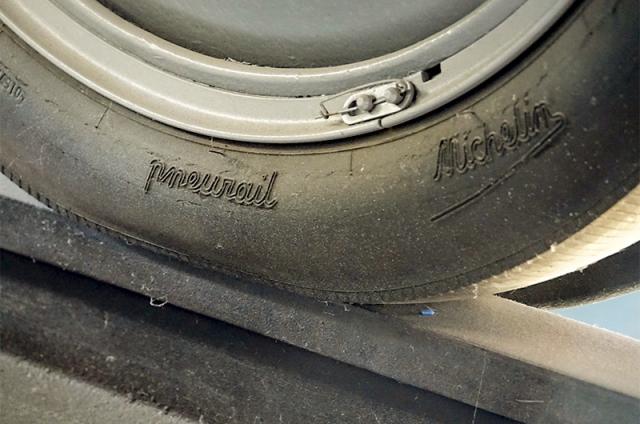 Le pneu sur rail et la jante de guidage (Micheline)