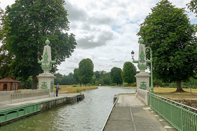 L'autre extrémité du pont-canal